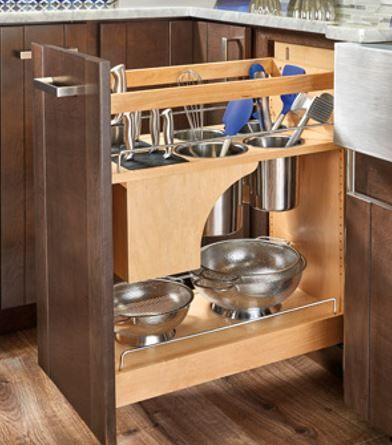 Knife and utensil pull out keeps knives sharp and organized