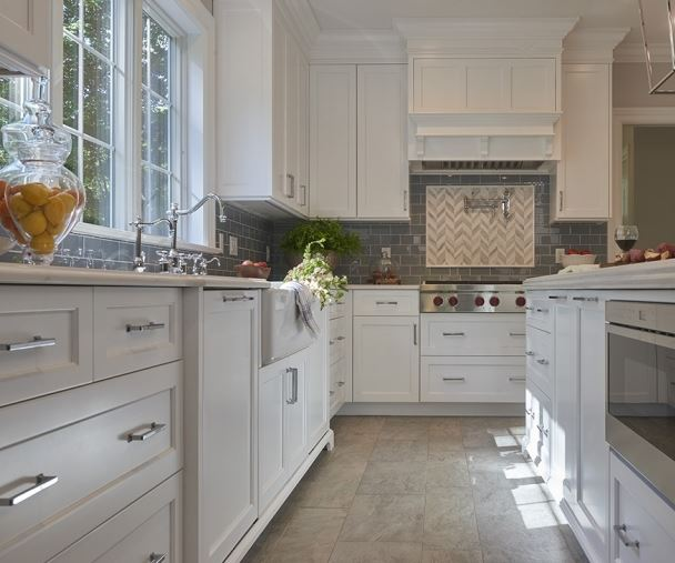 White Painted Wood Floor With Modern Cabinetry: Modern Farmhouse Kitchen Style